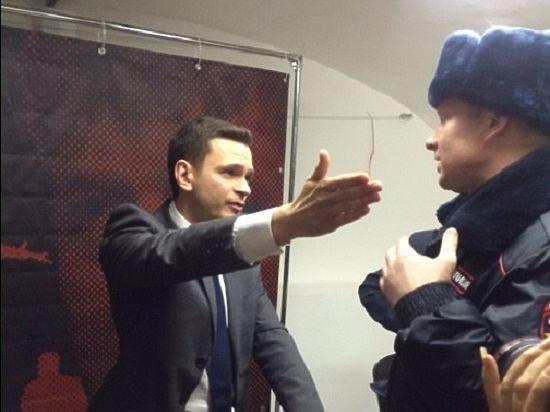 Яшин посмеялся над эвакуацией офиса ПАРНАСа из-за «бомбы» про Кадырова