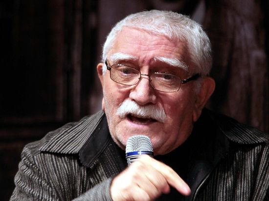 80-летний Армен Джигарханян женился на молодой избраннице