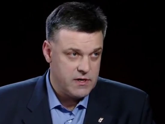 Украинские радикалы Тягнибока намерены блокировать российские фуры своими силами