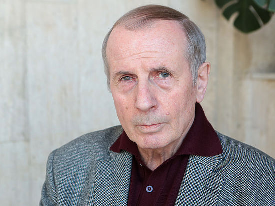 «Апостол», Кадыров или пранкеры: Веллер прокомментировал злой розыгрыш Ахеджаковой