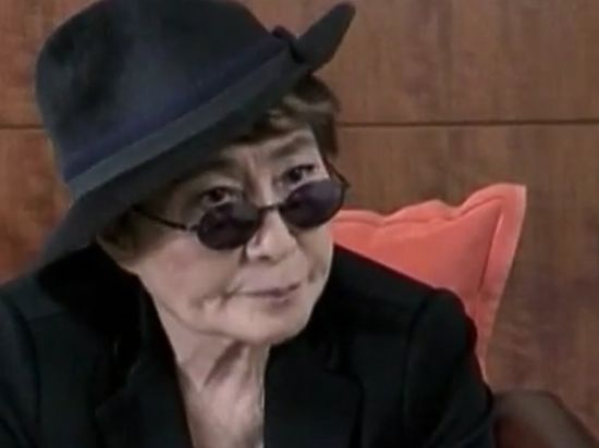 Вдова Джона Леннона госпитализирована из-за сложной простуды