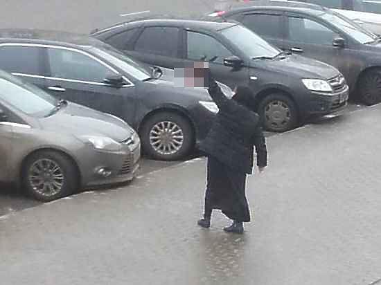 Родители девочки, которой няня отрезала голову, приехали из Орловской области