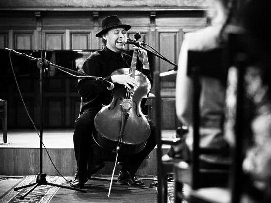 У известного виолончелиста украли как духовную пищу, так и материальную