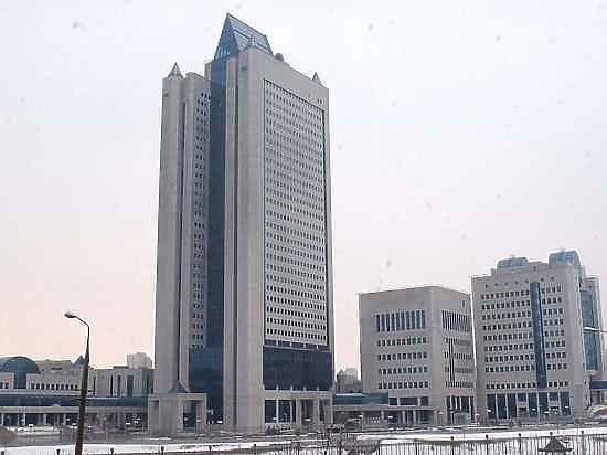 Научный центр «Газпрома» перевели на сокращенный день и срезали зарплаты