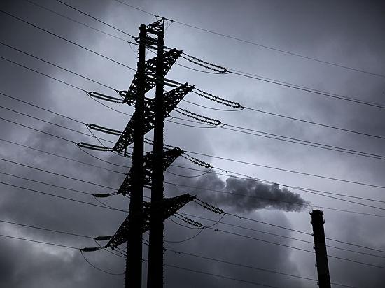 В Крыму объявили о подключении в ближайшие часы третьей нитки энергомоста