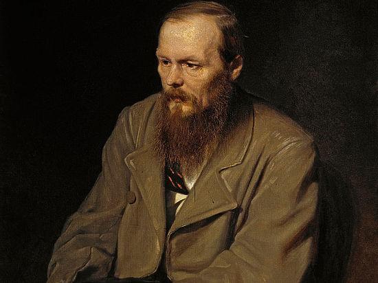 Россияне поставили Достоевского в один ряд с Донцовой