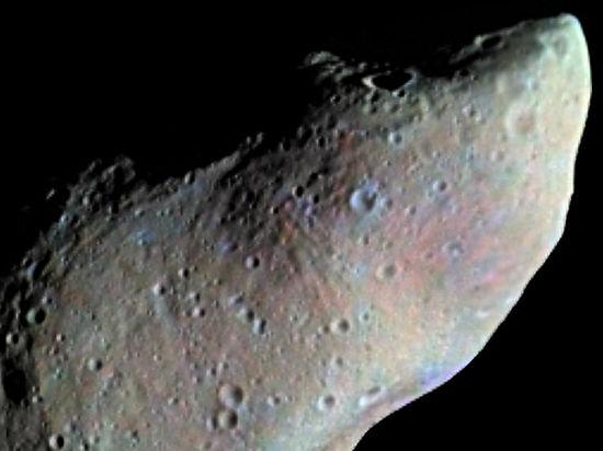 Земля разминулась с гигантским астероидом, но ей угрожает следующий