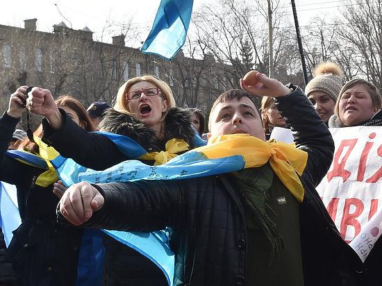 Посольство России в Киеве атаковали дважды
