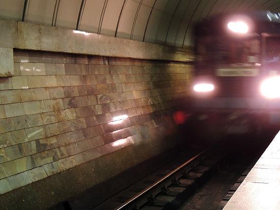 Награжденный медалью за спасение москвички в метро устал от внимания