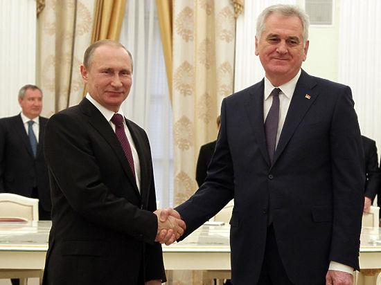 Президент Сербии «покаялся» перед Путиным за соглашение с НАТО