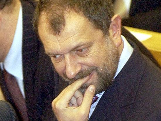 Депутата Госдумы Резника разыскивает Интерпол