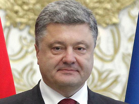 Рейтинг Порошенко упал на фоне заявления о российской угрозе Украине