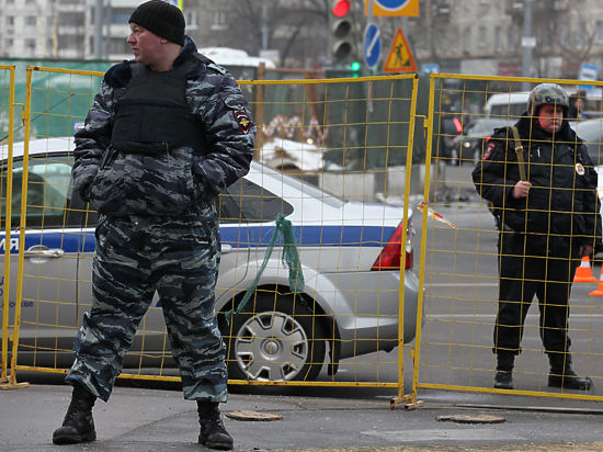 Сотня цыган устроила побоище с полицией под Тулой
