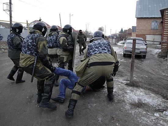 Приставы против цыган: табор в Плеханово оказался самостроем