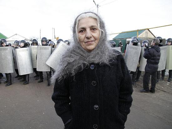Плехановских цыган обвинили в наркоторговле, но готовы узаконить их самострой