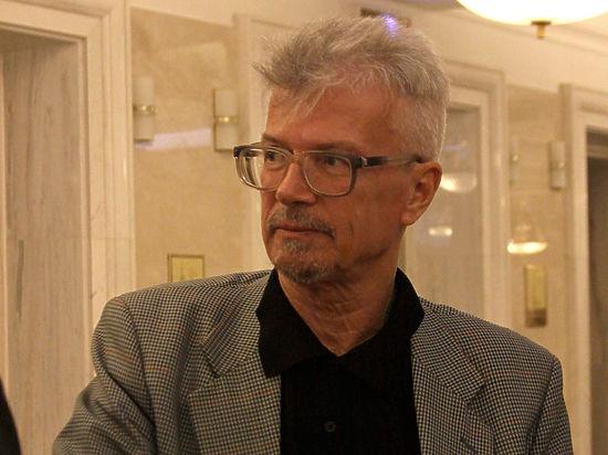 Эдуард Лимонов вернулся домой из реанимации
