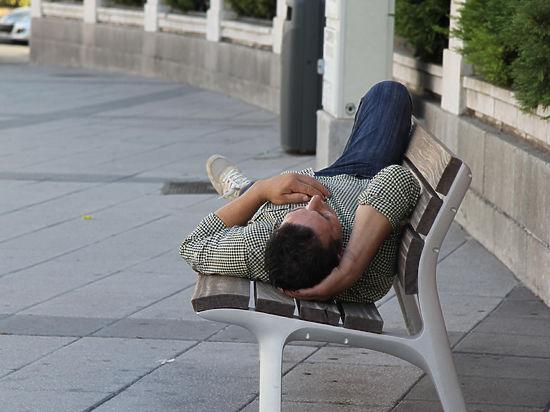 Во Всемирный день сна медики рассказали, можно ли выспаться впрок