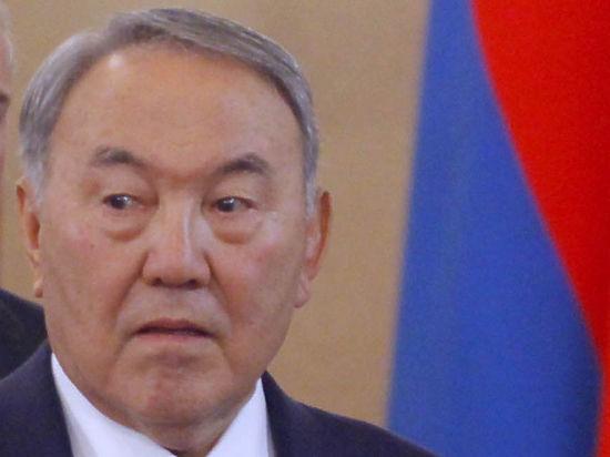 Назарбаев допустил изменение Конституции, но попросил не подгонять с демократией