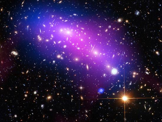 В интернет попал завораживающий снимок столкновения галактик
