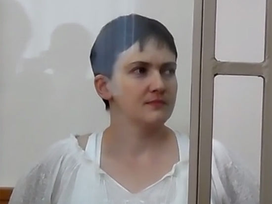 Чтению обвинительного приговора в суде Савченко противопоставила новую голодовку