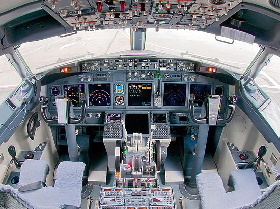 Еще одно ЧП с Боингом: во Внуково аварийно сел самолет