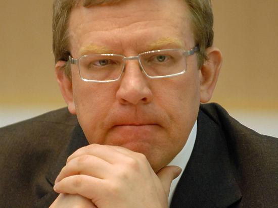Кудрин советует россиянам не расслабляться: рубль опять упадет