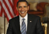 Кубинский лидер Рауль Кастро не позволил президенту США Бараку Обаме похлопать себя по плечу