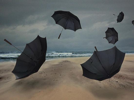 Человечеству в ближайшем будущем угрожают небывалые цунами и тайфуны