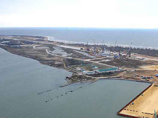 СМИ узнали о переговорах сухогруза перед столкновением с керченским мостом