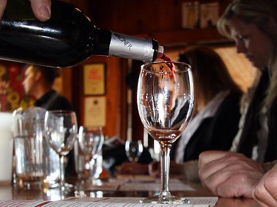 Ученые разгромили доказательства пользы вина для здоровья