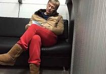 Пресс-секретарь президента Дмитрий Песков вновь вспомнил об эпизоде, когда его сфотографировали ночью на автомойке в уггах и красных штанах