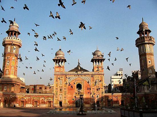 «Объявлена война христианской цивилизации»: теракт в Лахоре убил 72 человека