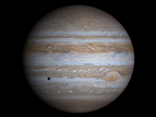 В интернет попало видео столкновения НЛО с Юпитером