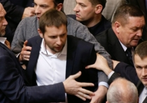 В Киеве на народного депутата Украины Владимира Парасюка совершено покушение