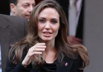 Анджелина Джоли вновь оказалась в центре внимания мировой прессы