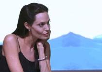 В жизни Анджелины Джоли и Брэда Питта — проблемы