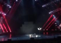 К счастью, Сергей Лазарев отделался из-за переутомления лишь легким обмороком на концерте в Петербурге