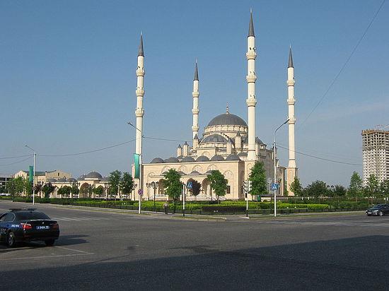 Мечеть «Сердце Чечни» хотят видеть нановых купюрах