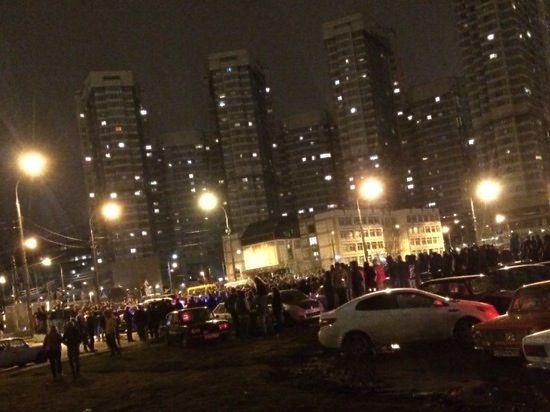 Опубликовано видео массовых беспорядков со стритрейсерами на Ходынском поле
