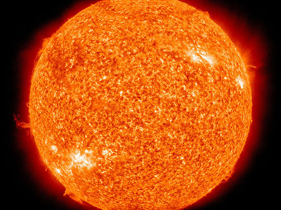 Мощная вспышка на Солнце вызвала перебои радиосвязи на Земле