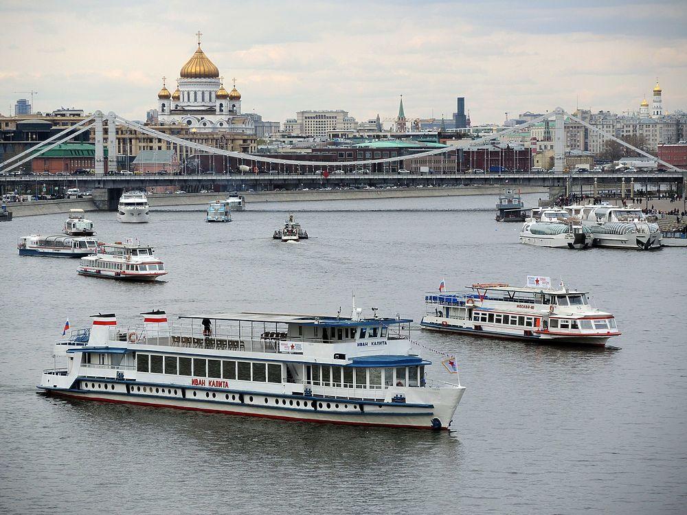 Главная водная артерия города снова доступна для судов.