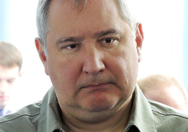 Вице-премьер Дмитрий Рогозин прокомментировал в своем Facebook замечание президента России Владимира Путина поправить галстук на совещании в Сочи