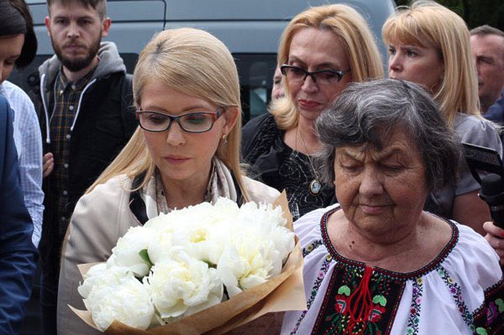 Вернувшуюся на Украину Савченко встречали мать, Тимошенко и ликующая толпа