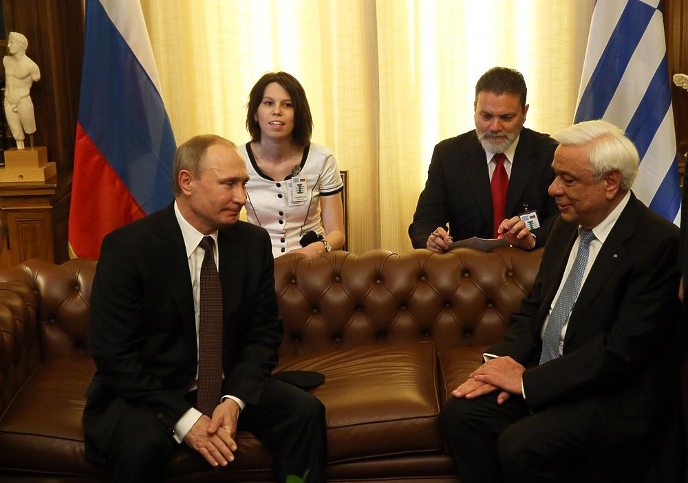 Владимир Путин в рамках своего визита в Грецию встретился с президентом страны Прокописом Павлопулосом.