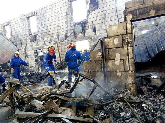 Порошенко поручил помогать пострадавшим впожаре вдоме престарелых