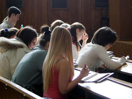 Студенческие стипендии могут сократиться