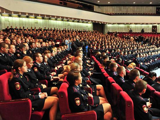 Будущим полицейским посоветовали сохранять веру в человека