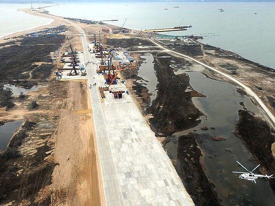 Песков назвал «шероховатостями» отсутствие денег на Керченский мост