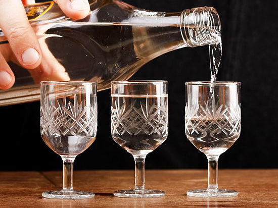 В России официально повысили цены на водку