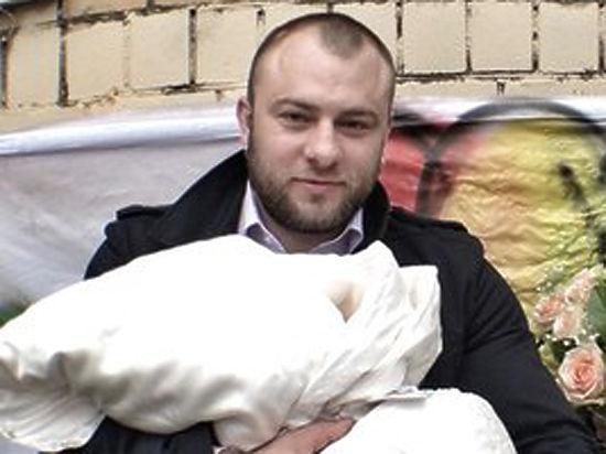 Жена осужденного во Франции болельщика: У Алексея остались двое детей
